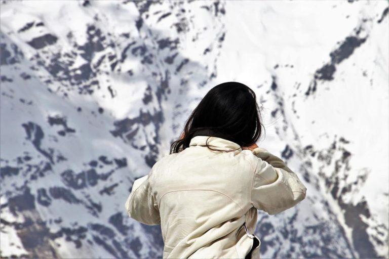 Kurtki z syntetycznym wypełnieniem są odpowiednie na zimę