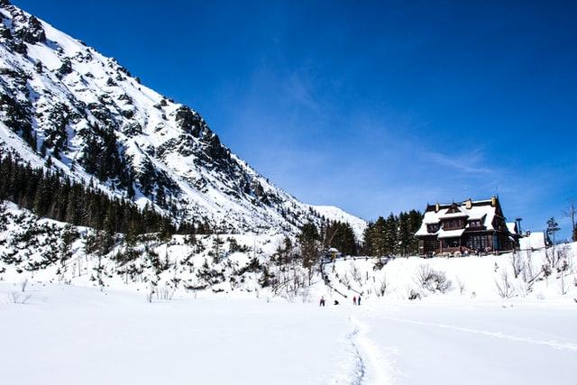 Czy łatwo jest znaleźć nocleg w Zakopanem podczas skoków narciarskich?