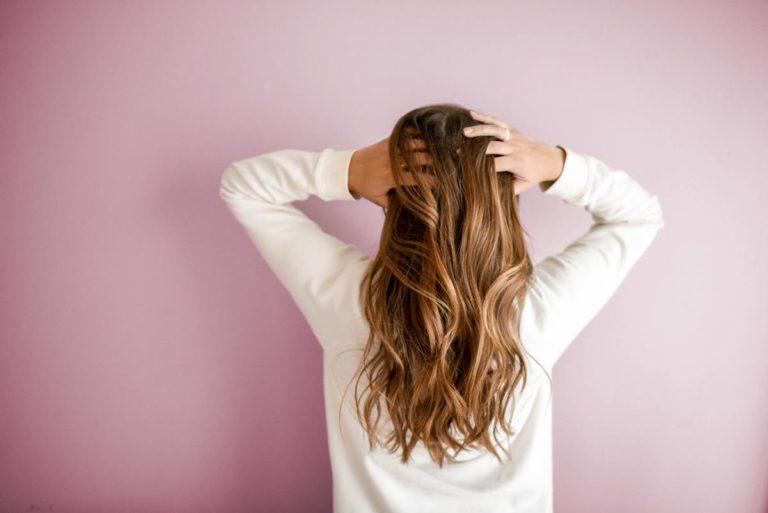 Długi i gruby kucyk za każdym razem dzięki doczepianym włosom