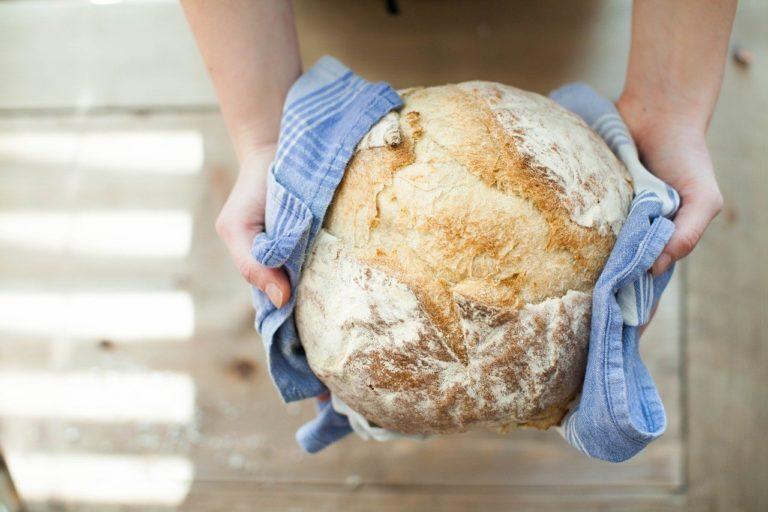 Najlepszy przepis na domowy chleb żytni na zakwasie.