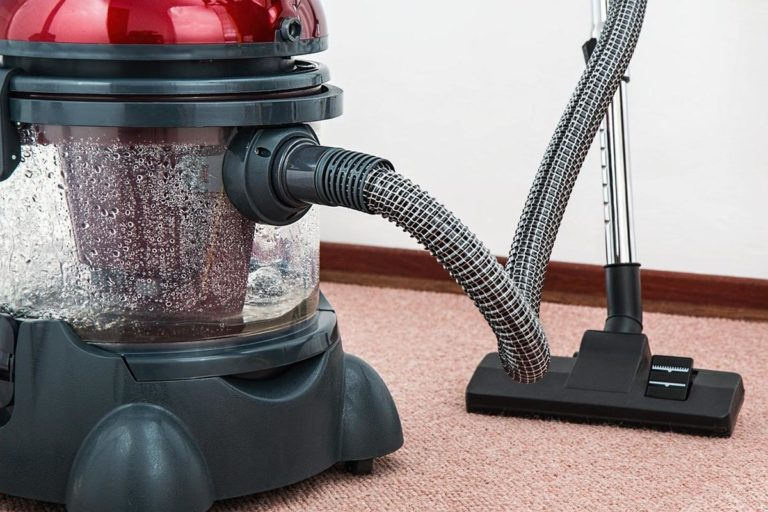 Warto skorzystać z profesjonalnych usług sprzątania biur