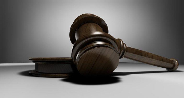 Najlepszy prawnik – jakiego warto wybrać?